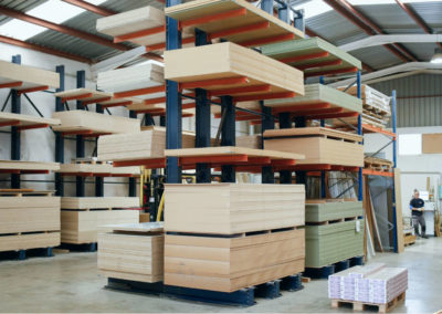 Foto del stock de tableros para fabricaciónde mobiliario