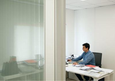 Foto del despacho de la dirección de MBY